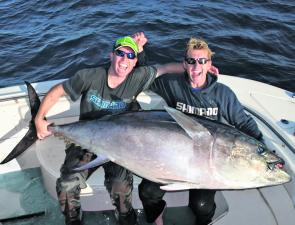 Brett Lee and Dominic Thornely with Dom's jumbo 'fin.