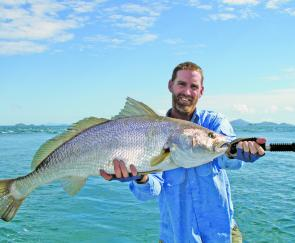Fishing Monthly Magazines : Snapper Show up for the Show