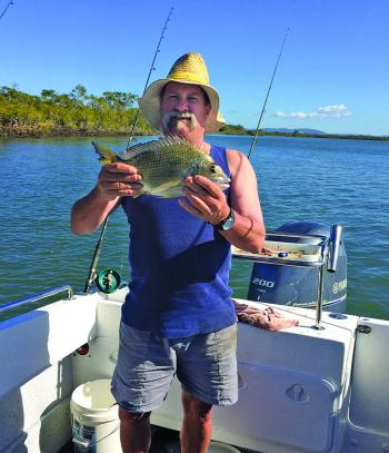 Darryl Sailor with a monster 41cm Jumpinpin bream that went nearly 1kg.