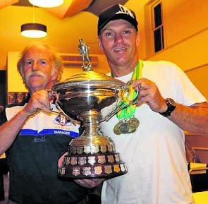 Victorian State Team manager Bruce Lowenthal and Rob Torelli, the Australian Open Spearfishing Champion for the 9th time, holding the Open Trophy.