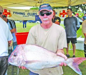 Ross Sanders with a quality snapper caught off Harington.
